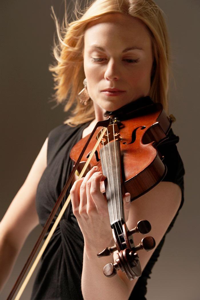 Gold violin lesson gift voucher