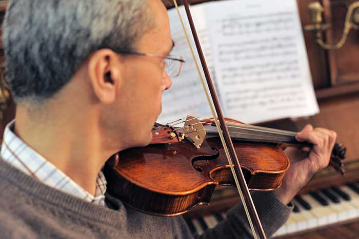 amateur violinist